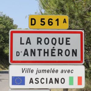 How to get to La Roque d'Anthéron?